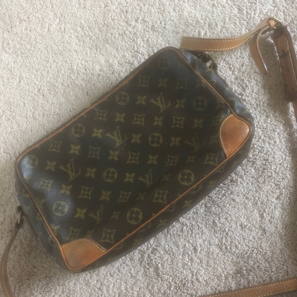 Louis Vuitton Handbags - Louis Vuitton bag INSIDE WORN